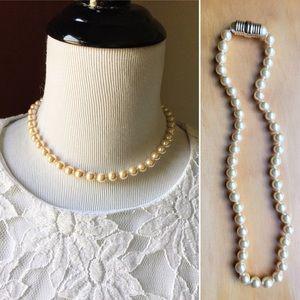 Vintage champagne faux pearl unique clasp necklace